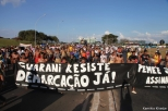 Lideranças indígenas participavam de atos pacíficos da Mobilização Nacional em Brasília / Foto: Kamikia Kisedje